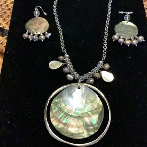 Chico's abalone & grey pearl set
